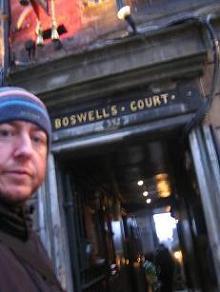 Tusitala, esquina Boswell